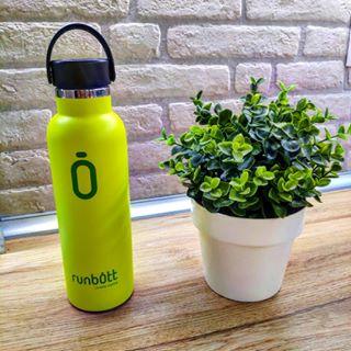 La-importancia-de-beber-agua-en-botellas-ecologicas