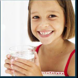 filtracion-de-agua-beben-nuestros-hijos-suficiente-agua-manipulacion-alimentos